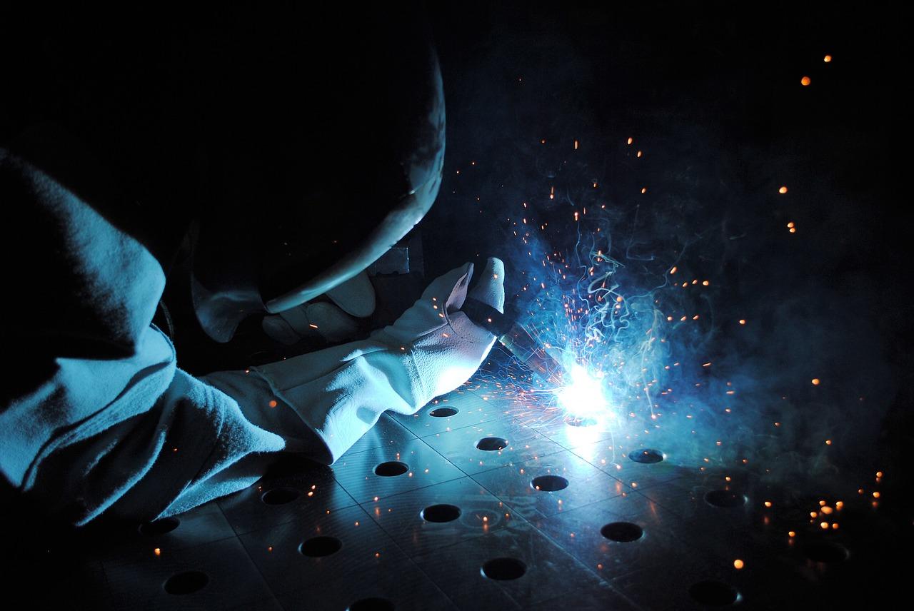 Metody spalania żeliwa. Jak spawać żeliwo? Spawanie żeliwa na zimno –  spawanie żeliwa ze stalą